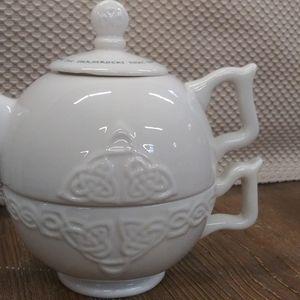 VTG Russ Berrie Celtic Teapot
